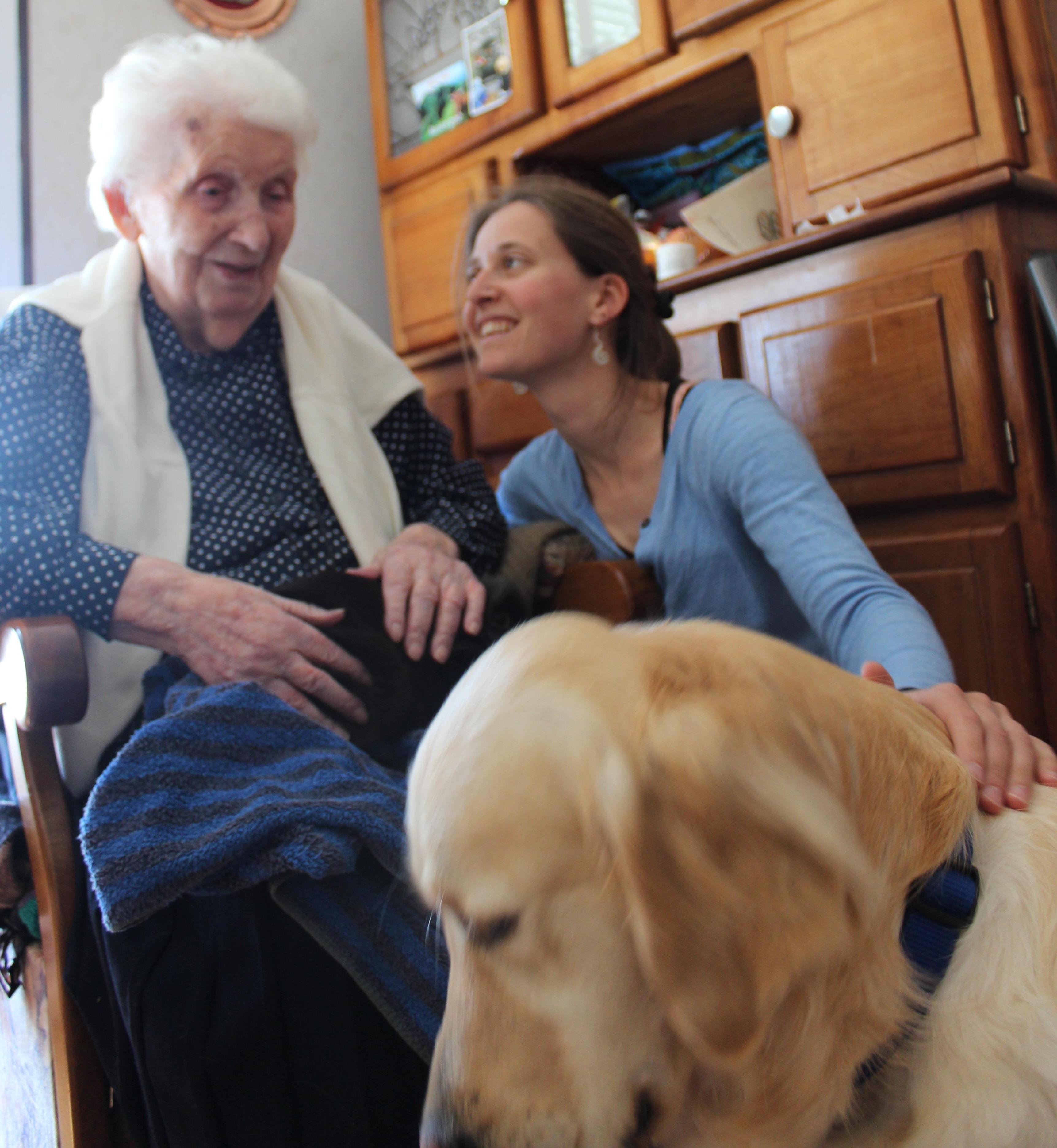 Se former à la zoothérapie pour interagir avec les personnes âgées